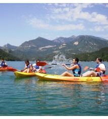 Aventura acuática familiar: piraguas   hidropedal
