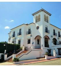 Hotel Vega de Cazalla ** + Actividad a escoger: paseo en bicicleta o visita a la cartuja o visita a bodegas