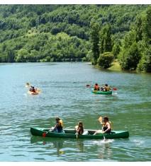 Paseo en canoa por el lago