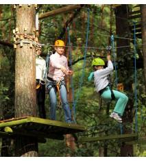 Tirolinas espectaculares y circuitos en los árboles