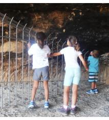 Visita a La Cueva de Els Vilars y ruta en coche 'offroad'