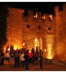 """Visita teatralizada nocturna al Castillo de Montsonís   Cena degustación para 1 en """"La Botiga"""" de Montsonís"""